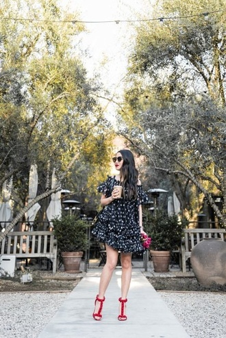 wendy's lookbook blogger dress shoes sunglasses sandals spring outfits mini dress
