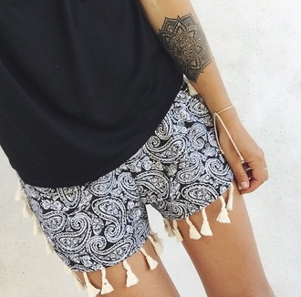 shorts sheinside bandana print fringes fringed shorts summer outfits outfit boho chic boho coachella