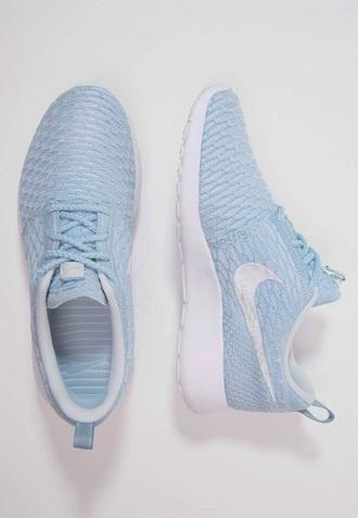 shoes baby blue nike shoes blue sneakers roshe runs nike