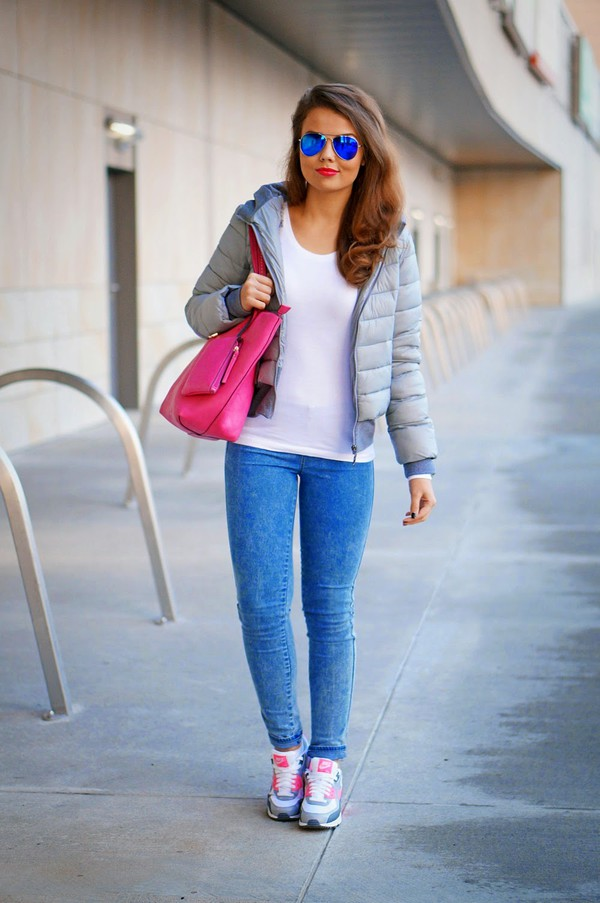 a piece of anna blogger jacket t-shirt jeans bag sunglasses