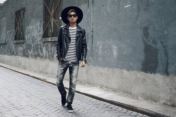 06a95b741e6e94 alexander liang blogger jacket t-shirt jeans shoes sunglasses hat
