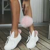shoes,sneakers,fur keychain