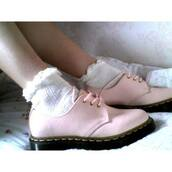 shoes,grunge,soft grunge,baby pink,black,pretty