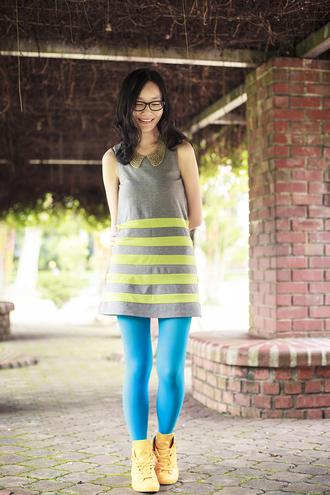pupuren blogger tights turquoise shift dress striped dress