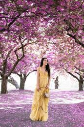 wendy's,lookbook,blogger,dress,bag,jewels,yellow dress,maxi dress,spring outfits