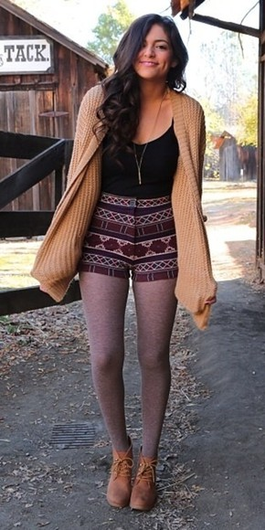 leggings top shorts sweater outfit