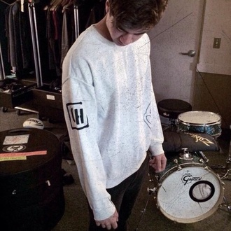 sweater calum hood 5sos sweatshirt 5sos merch 5 seconds of summer oversized swearshirt sweatshirt grey bands hoodie band merch