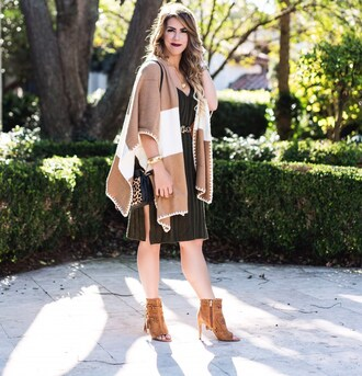 herestheskinny blogger sweater dress bag belt shoes jewels make-up ankle boots peep toe boots shoulder bag green dress