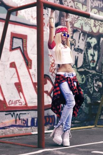 kristina dolinskaya blogger scarf t-shirt shirt jeans flannel shirt red