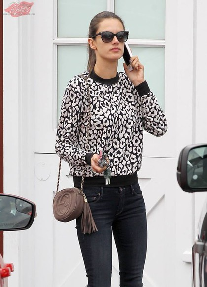 alessandra ambrosio sweater black and white geometric pattern cute sweater