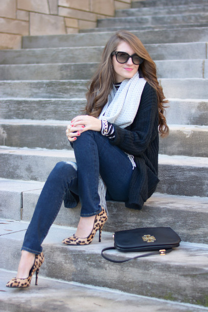 southern curls and pearls blogger cardigan scarf jeans shoes bag sunglasses jewels make-up top d'orsay pumps