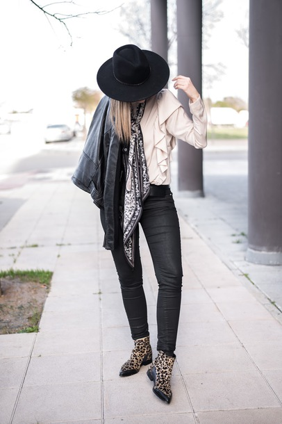 ms treinta blogger blouse shoes hat spring outfits black leather jacket felt hat ankle boots black jeans