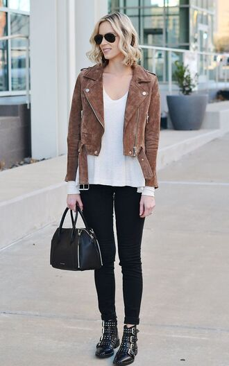 shoes brown jacket white shirt black bag buckle boots blogger sunglasses black skinny jeans