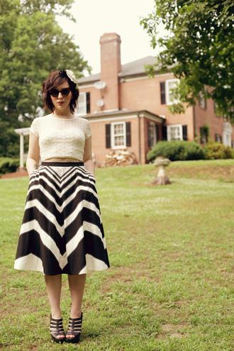 t-shirt skirt shoes keiko lynn sunglasses