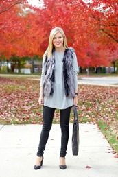 life with emily,blogger,top,jacket,bag,jewels,faux fur,grey sweater