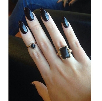 jewels ring black rings all black everything on point clothing grunge fashion inspo alternative dope stylish trendy trend beauty teen
