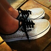 shoes,vans,sequins,silver sequins,sparkle,Sparkle shoes,silver,flats,skate shoes,sneakers,vans of the wall,black gold sparkly vans,dream shoes,womens vans,glitter,gold,hipster