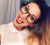 jewels,zoella,glasses,shirt