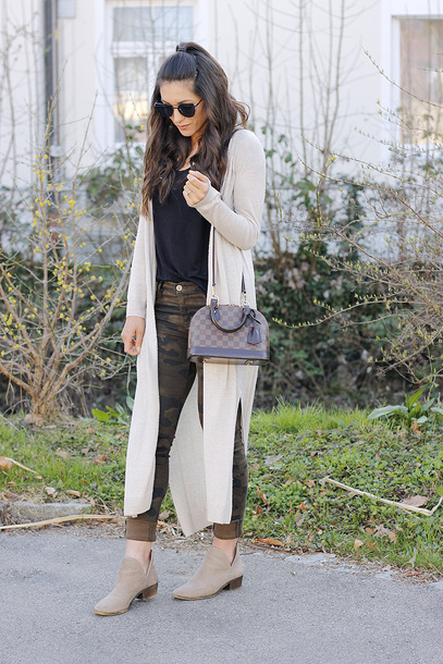 seekingsunshine blogger jeans t-shirt sweater shoes sunglasses bag jewels ankle boots camo pants long cardigan louis vuitton bag spring outfits