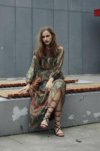 so in carmel blogger paisley maxi dress strappy sandals boho bag fringed bag long sleeve dress boho dress boho