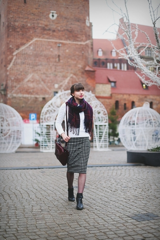 kapuczina blogger scarf skirt pencil skirt gingham knitted sweater coat sweater shoes bag