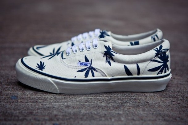 shoes vans black and white canabis printed vans b&w white black special design weed leaves pal trees palm tree print palm tree shoes palm tree vans vans vault palms vans weed shoes weed