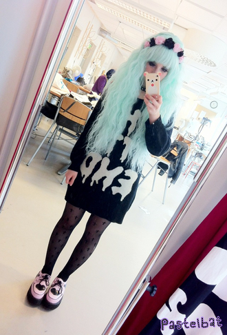 sweater shirt pastel goth black sweater flower crown shoes stockings underwear tights goth nu goth soft grunge grunge punk drippy punk rock kawaii creepy cute hair accessory flowers pink black cross fashion black tights pattern