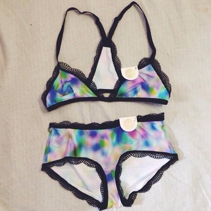 underwear bra cute bralette pretty tie dye color/pattern lace girly instagram soft pale sexy panties bra color