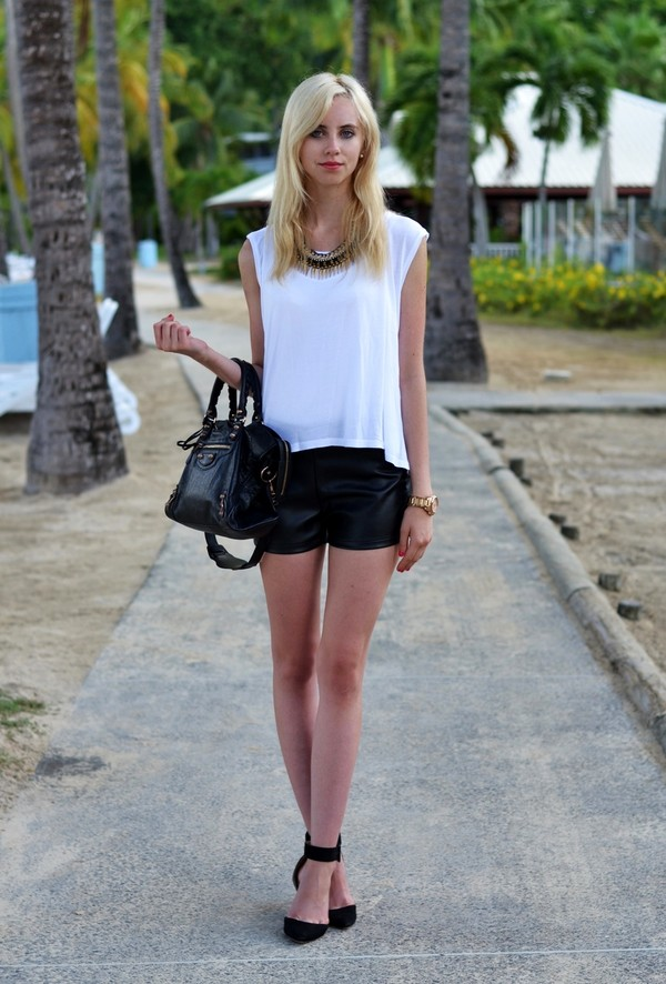 vogue haus t-shirt shorts shoes bag jewels