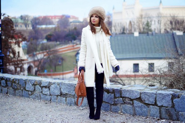 a piece of anna blogger white coat