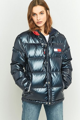37243a51 Tommy Hilfiger 90s Down Navy Puffer Jacket - Urban Outfitters