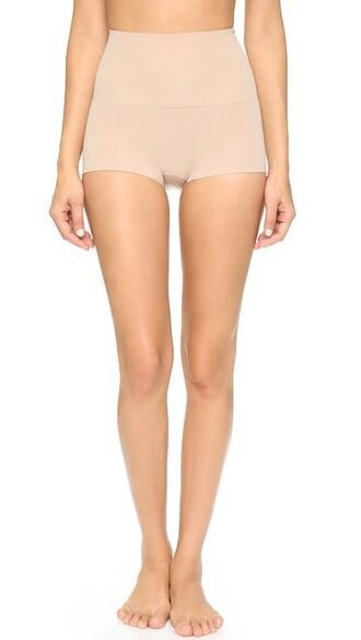 shorts light nude