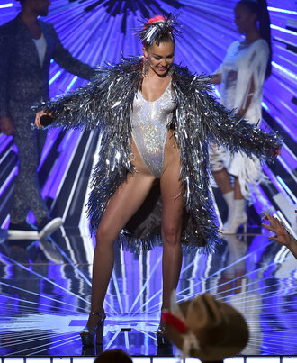 top cosmetics metallic vma jacket silver fringes miley cyrus
