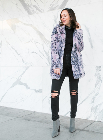 sydne summer's fashion reviews & style tips blogger coat jeans shoes jewels black jeans winter outfits winter coat boots