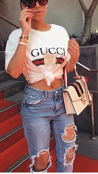 Jeans baddies ripped jeans tumblr outfit boyfriend jeans mom jeans - Wheretoget