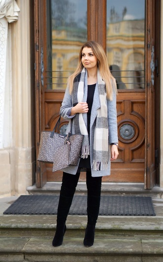 a piece of anna blogger coat scarf bag jewels shoes
