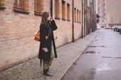 kapuczina,blogger,pants,sweater,shoes,bag,jewels,sunglasses