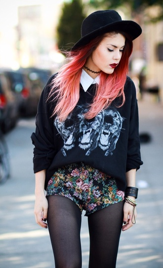 blouse collar hat roses