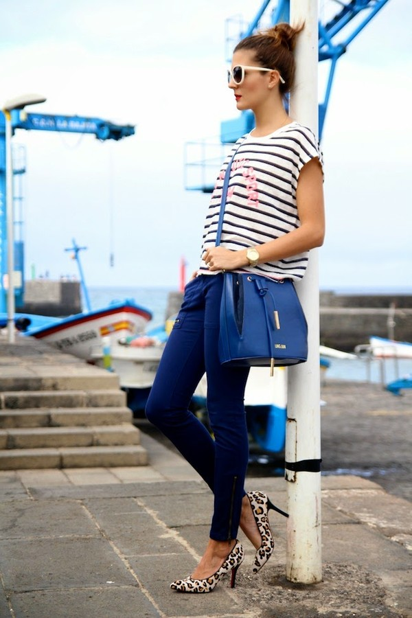 marilyn's closet blog t-shirt pants shoes bag sunglasses
