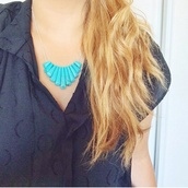jewels,shirt,t-shirt,blue shirt,marine blue,top,necklace,turquoise,boho,boho jewelry