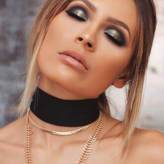 make-up eye makeup eye shadow eyebrows nude lipstick black choker choker necklace necklace jewels jewelry blogger absolutemarket new year's eve makeup new year's eve new years eve makeup tumblr party make up gold choker gold jewelry gold necklace eyeliner eyelashes lipstick