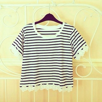 t-shirt black and white stripes crop