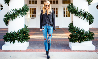 blogger shoes krystal schlegel jeans sunglasses ripped jeans black shirt