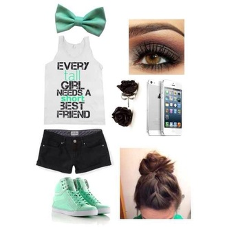 shoes mint jewels t-shirt shorts hair accessory make-up