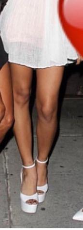 shoes,white,girl,people,zapatos,plataforma,plataforma sandals,tacones,blanco,white shoes,high heels,platform heels,heels