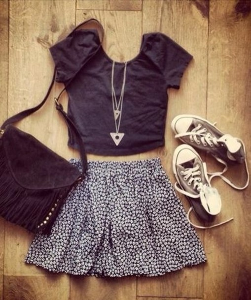 skirt bag jewels shirt shoes leather bag shoulder purse black bag blouse jewelry style black white black and white fashion teenagers top converse vogue lovely cute summer summer skirt floral flowers blue skirt white flowers floral skirt black and white girly pretty t-shirt