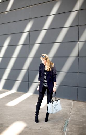 krystal schlegel blogger shoes t-shirt jacket jeans jewels sunglasses