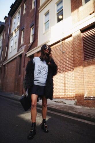 top grey top tumblr sweatshirt jacket fur coat skirt mini skirt black skirt boots black boots bag black bag shoes sunglasses