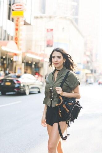 five five fabulous blogger blouse shorts shoes