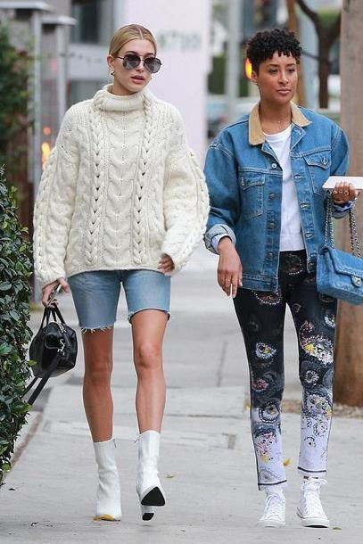 shoes ankle boots sweater turtleneck sweater hailey baldwin model off-duty streetstyle celebrity fall outfits sunglasses denim denim shorts